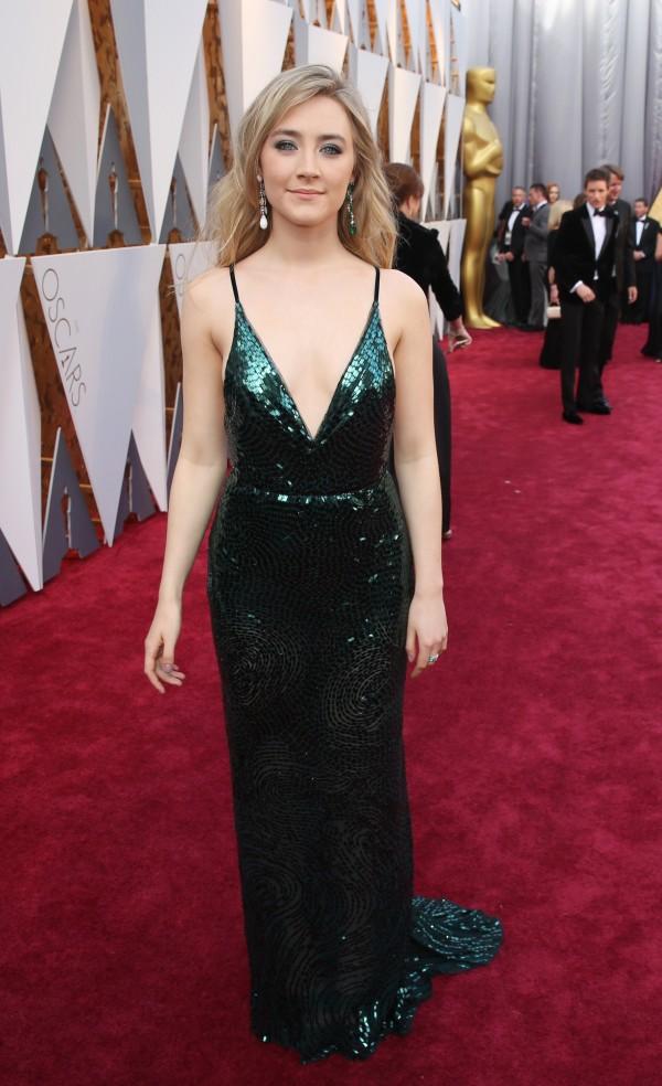 Saoirse Ronan andNaomi Watts looked elegant and beautiful. Very hot!
